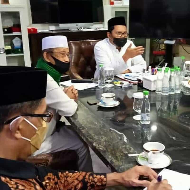 Walikota Makassar, Danny Pomanto menggelar rapat dengan organisasi keagamaan membahas pelaksanaan shalat idul adha (foto : istimewa)